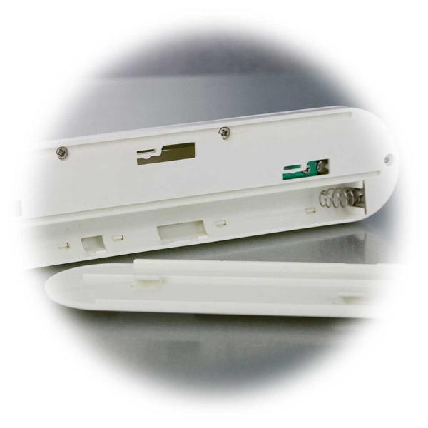 LED Leuchte mit 3x Batterien Typ AAA zu betreiben