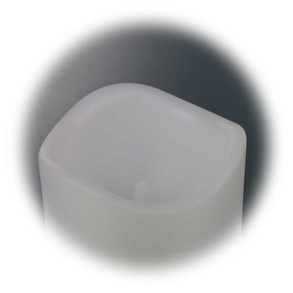 LED Kerze mit spritzwassergeschütztem Kunststoffmantel für den Außenbereich