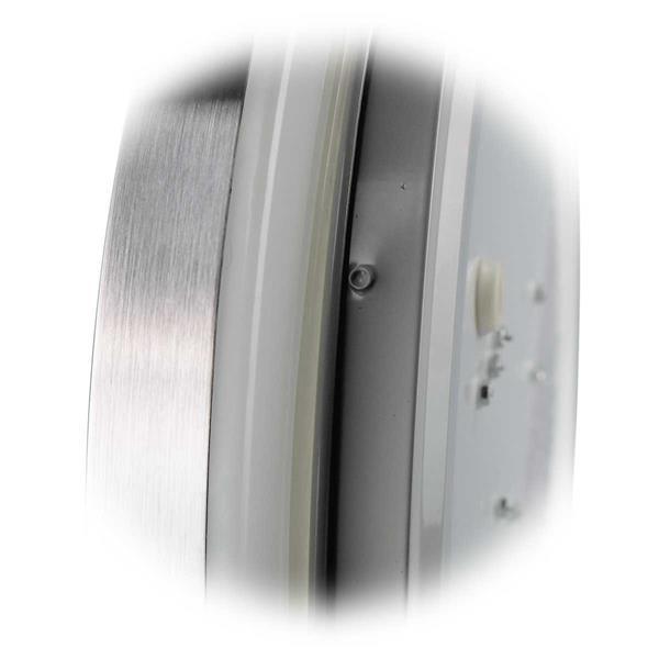 schlichte LED Deckenleuchte mit Alu-Ring für ein stylisches Aussehen