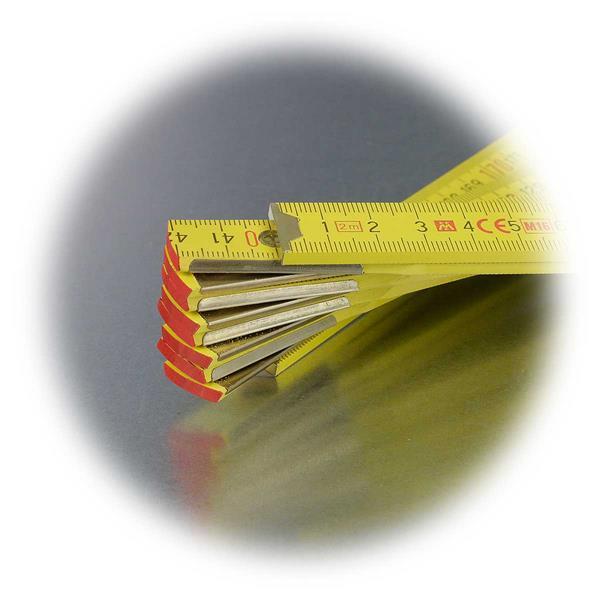 bündig gesetzten Metall-Scharniere am Längenmessgerät