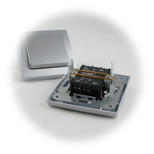 Steckdose und Schalter komplett mit Schaltereinsatz und Rahmen
