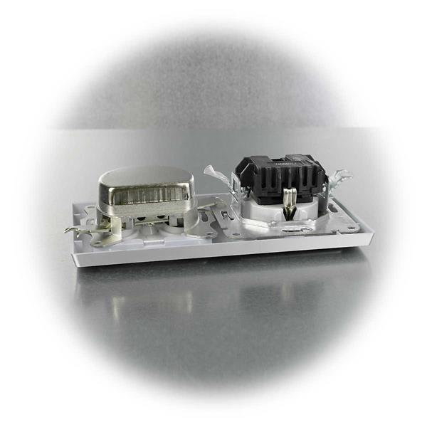 Steckdose mit Klemmanschlüssen und Antennendose für Unterputzmontage