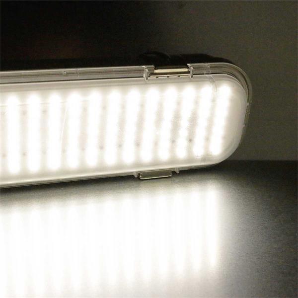 LED Wannenleuchte Leuchtfarbe neutralweiß mit 602 SMD LEDs