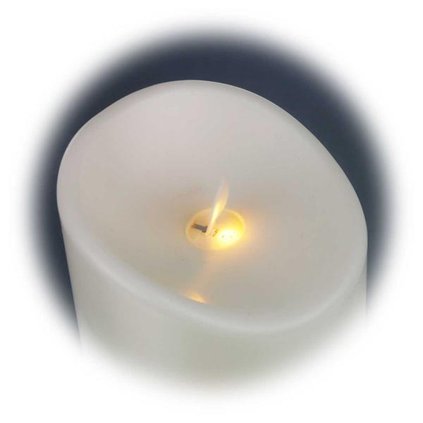 LED Kerze mit realistisch wirkender Flammenbewegung