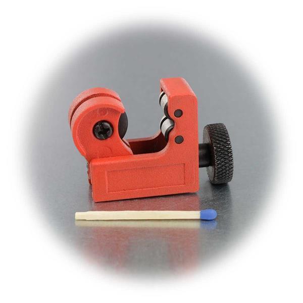 Mini-Rohrschneider zum Durchtrennen von Rohren aus verschiedenen Materialien