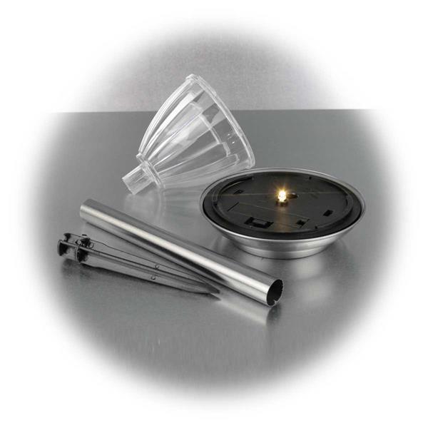 LED Außenlicht mit Solarpanel und integrierten Tag- /Nachtsensor