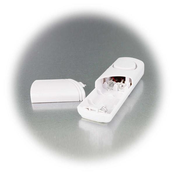 Stromversorgung der Anlage mit je zwei Micro Batterien AAA