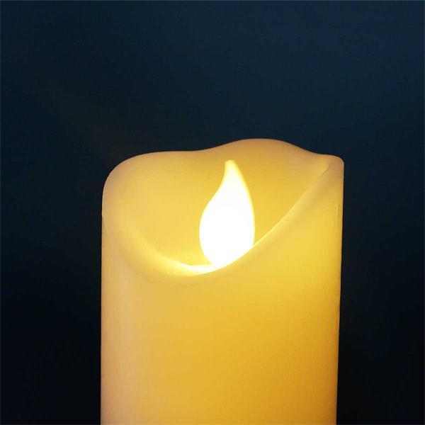 LED Dekokerze imitiert eine naturliche Flamme durch Flackereffekt