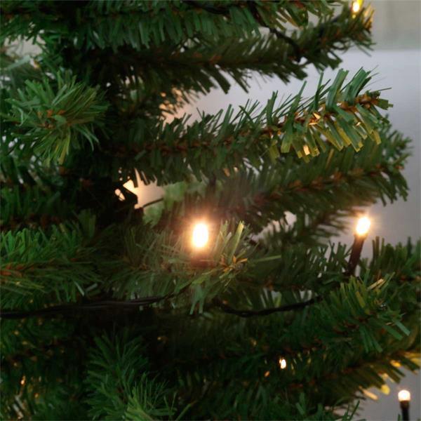 LED Christbaum bringt weihnachtliche Stimmung ins Haus