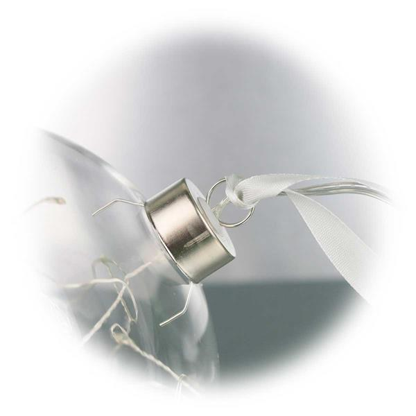 LED Kugel mit Aufhängung und weißem Dekoband