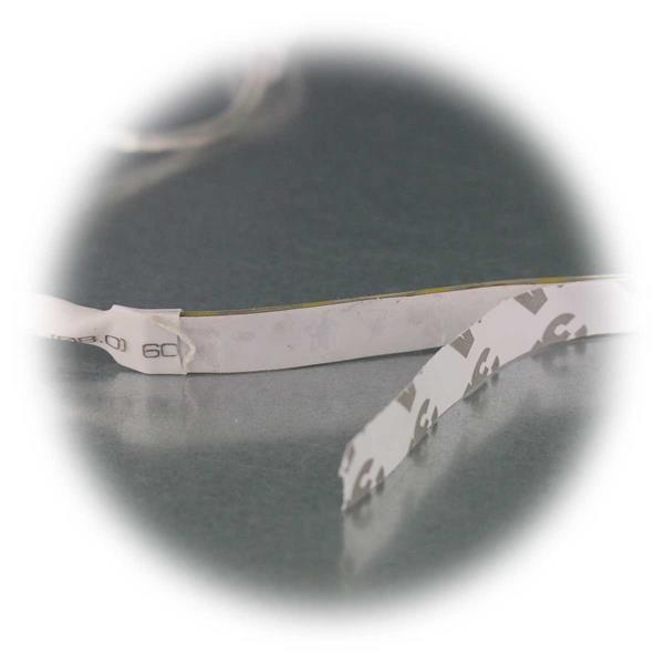 LED Stripe mit doppelseitigen Klebestreifen zum Befestigen