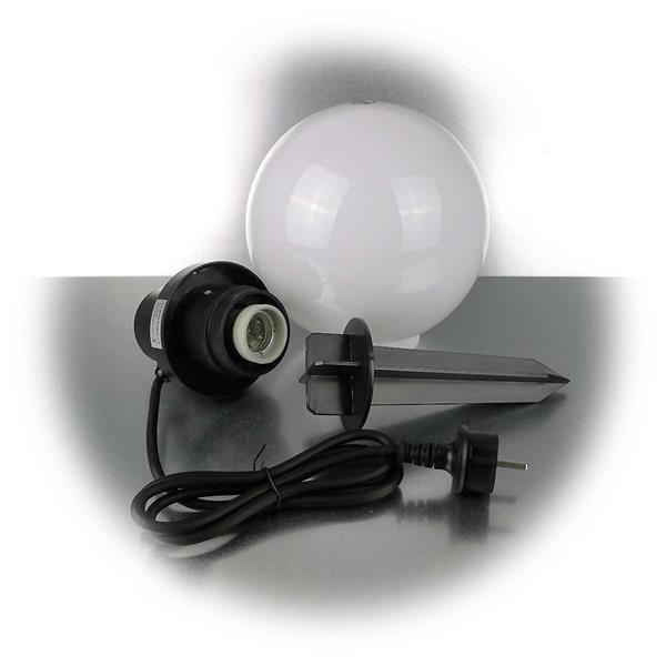 LED Leuchte mit E27 Fassung und Erdspieß für einen sicheren Halt