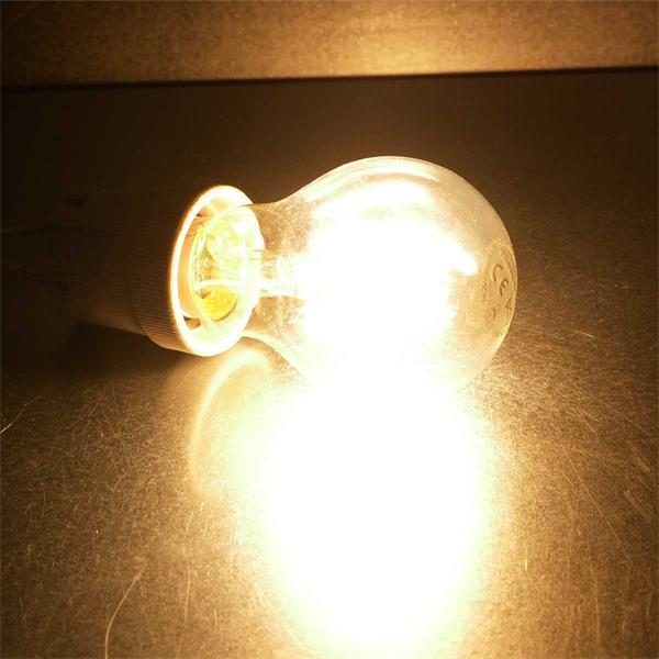 LED Leuchtmittel in warmweiß mit klarer Glasabdeckung