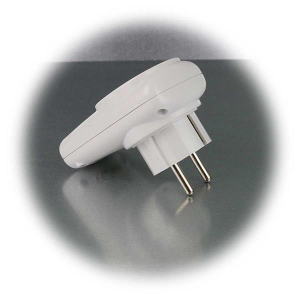 Zwischenstecker mit USB-Buchsen für gängige Geräte
