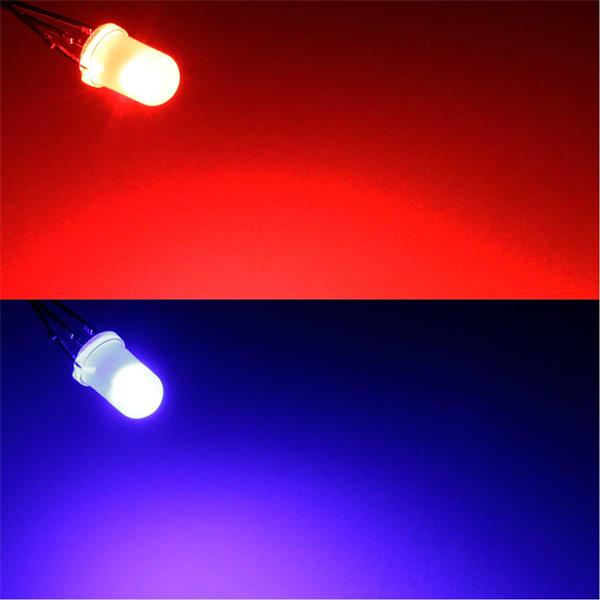 Diffus rot und blau leuchtende LEDs