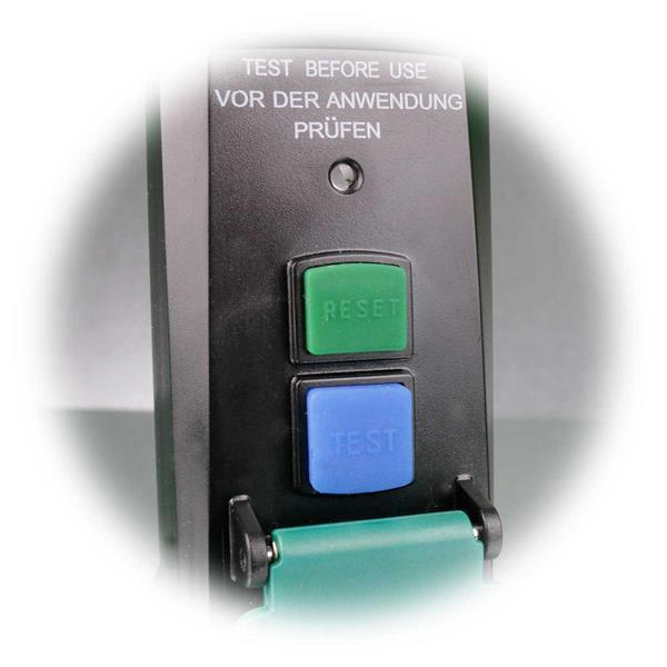 Zwischenstecker mit optischer Funktionsanzeige und Testschalter