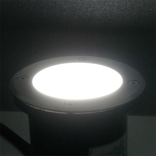 LED Uplight mit mattiertem Lichtaustritt für blendfreie Beleuchtung