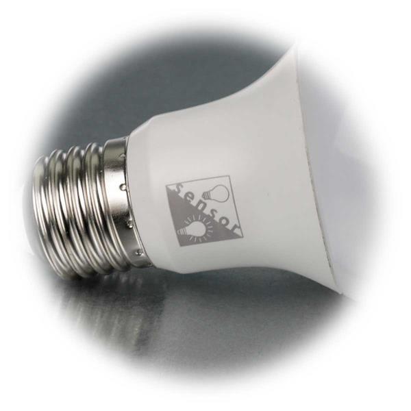 integrierter Tageslichtsensor schaltet Licht in Abhängigkeit von der Umgebungshelligkeit