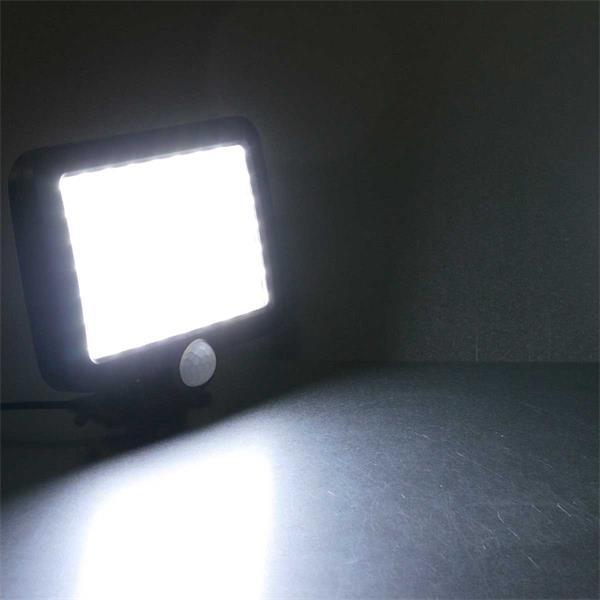 LED Außenstrahler ohne Stromanschluss zum Ausleuchten von dunklen Ecken