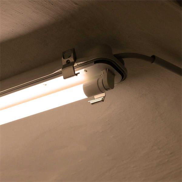 T8 LED-Röhre in 3 Längen und 3 Lichtfarben