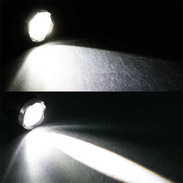 LED-Taschenlampe mit Zoomfunktion, 15W, 560lm