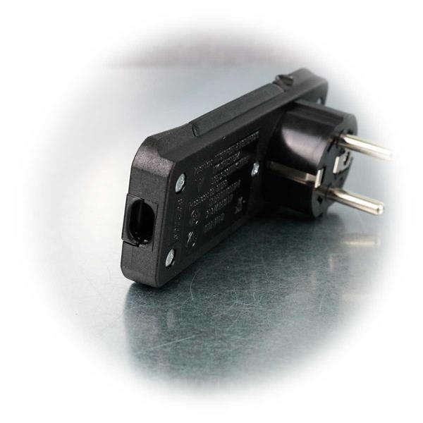 Schwarzer Flachstecker für 250V/16A