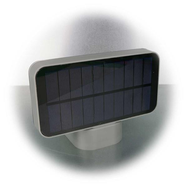 LED Leuchte mit großem Solarpanel zum Aufladen des Akkus