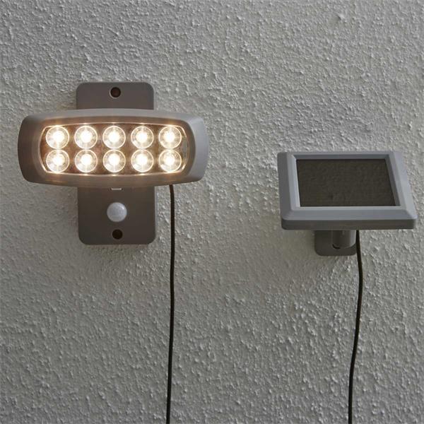 LED Solar Flutlichtstrahler mit 10 hellen SMD LEDs