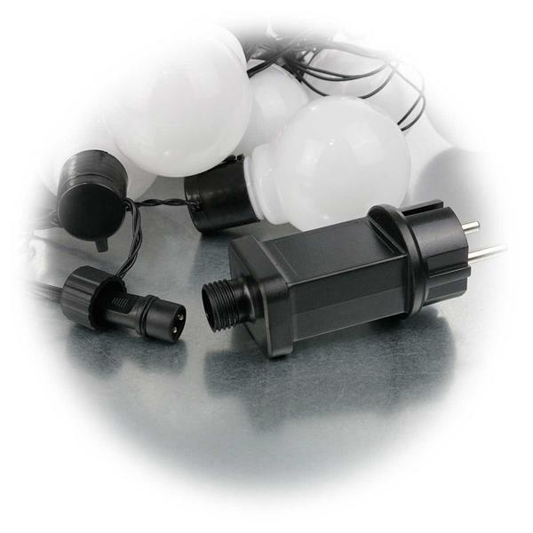 230V LED Lichterkette mit opalen, weißen Kugeln für Partystimmung