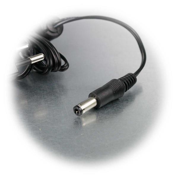 12V Stecker-Netzteil mit 5,5/2,5mm DC-Hohlstecker für LED Streifen