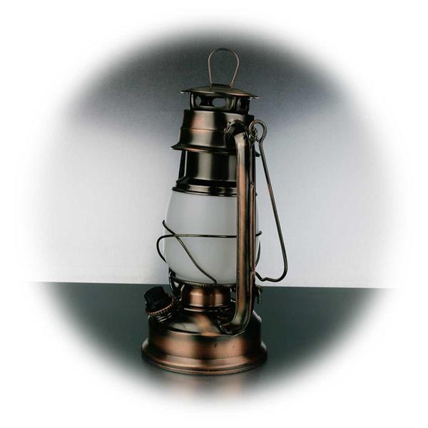 Dimmbare Nostalgieleuchte im Look einer Petroleumlampe