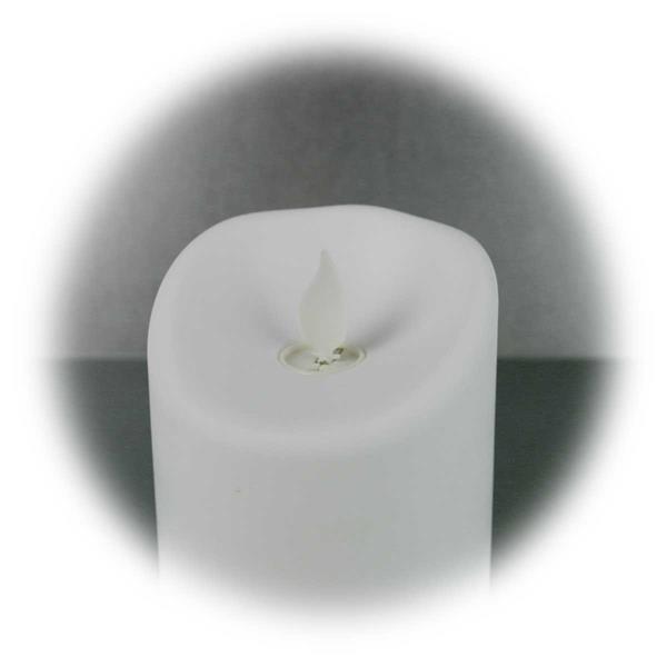 LED Außenkerze mit beweglicher, wiegender Flamme im Betriebszustand