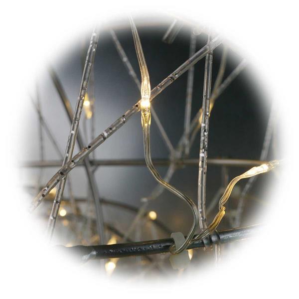 Rentiere aus stabilen Metallgestell mit LED Außenlichterkette