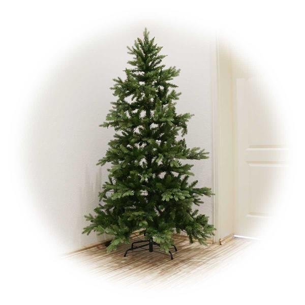 Hochwertiger Weihnachtsbaum mit PE/PVC-Materialmix und 270 LEDs