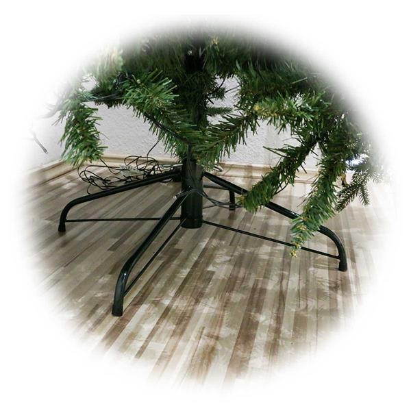 Weihnachtsbaum LARVIK mit 360 warmweißen LEDs