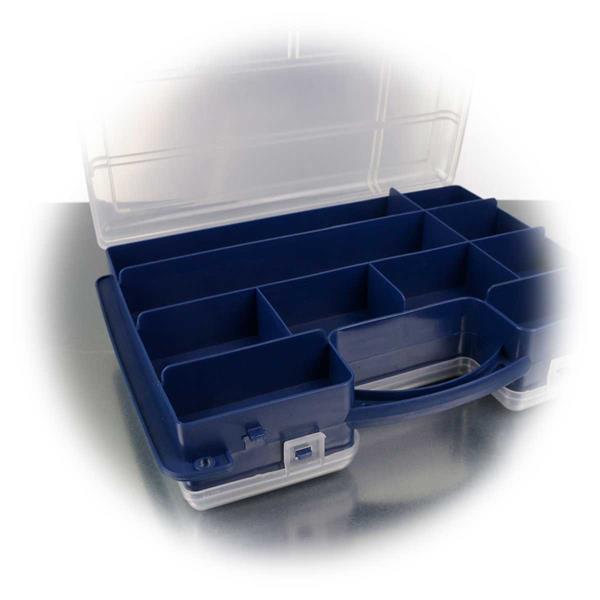 leere Kunststoffbox mit fester Fachaufteilung auf einer Seite