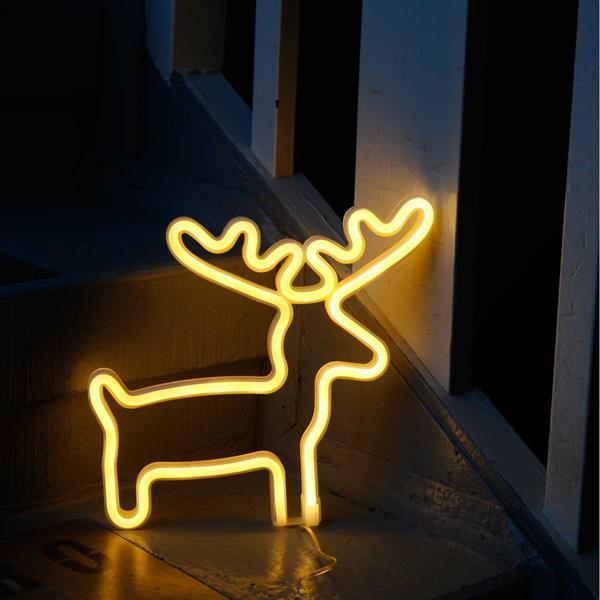 Warmweiß-leuchtende LED Figur RENTIER