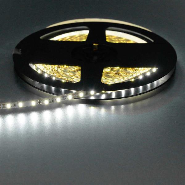 doppelt besetzte LED Strips, 120 LEDs pro Meter, kürzbar, selbstklebend