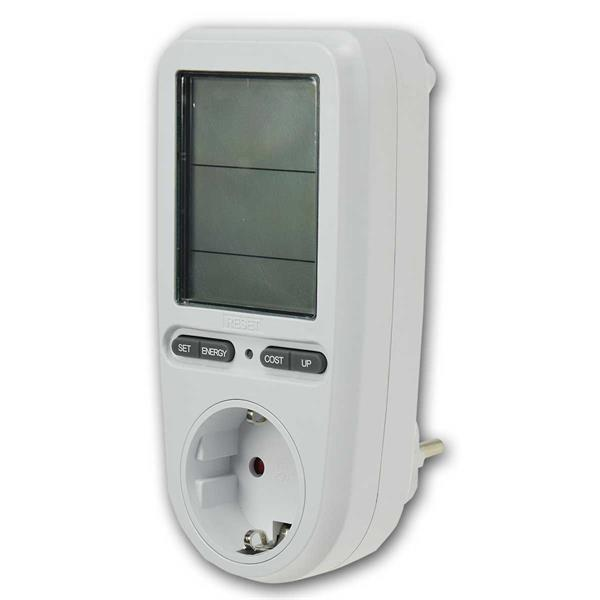Das Energiekosten-Messgerät zeigt den aktuellen Stromverbrauch an