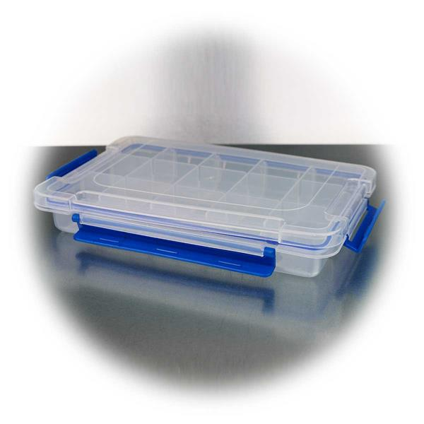 Kunststoffbox mit Gummidichtung und Sicherheitsverschlüssen