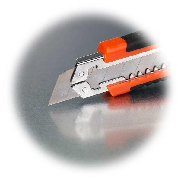 Cuttermesser mit Metallklingenführung für Abbrechklingen
