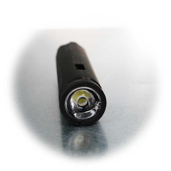 Leuchtstarke Taschenlampe und Powerbank in einem