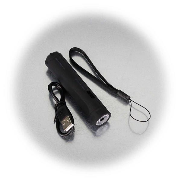 Lieferumfang inkl. Trageband und USB-Kabel