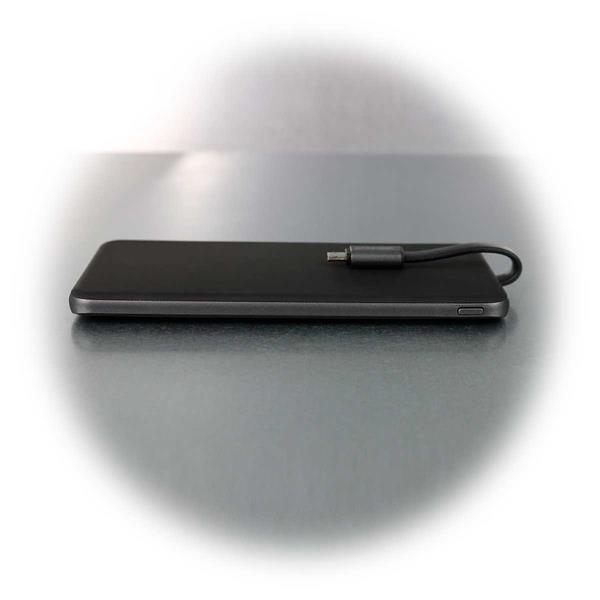 Super-Slim Powerbank mit fest integriertem Micro-USB-Kabel