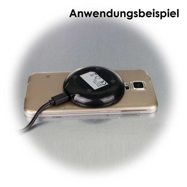 Akkuladen ohne Kabel mit dem Wireless Charger