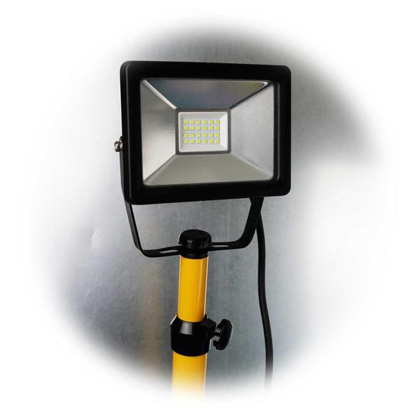LED-Baustrahler mit höhenverstellbarem Stativ