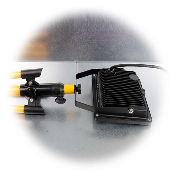 230V LED-Baustrahler mit Teleskopstativ