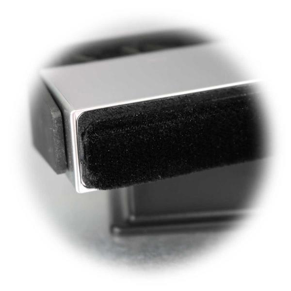 Samt-Puk befreit die Oberfläche von LPs sanft von Staub