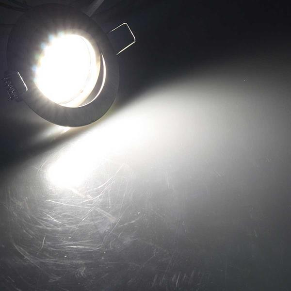 neutralweiß-leuchtender Einbaustrahler Flat-32 Eco