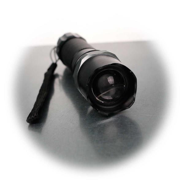 Fokussierbare LED-Taschenlampe mit 3W LED
